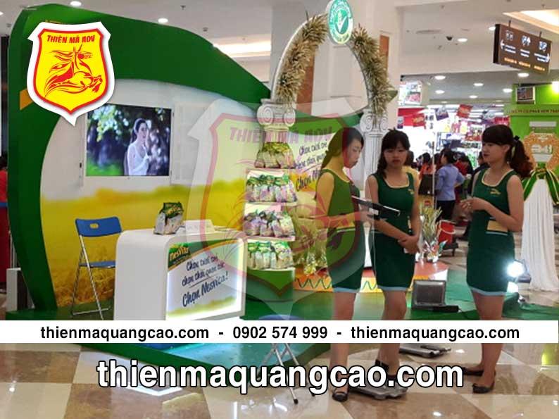 Sản xuất booth quảng cáo tại siêu thị